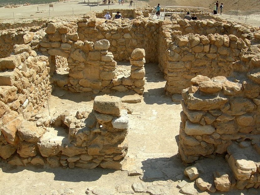 Ruinas de Qumran, una de las poblaciones donde vivieron los esenios, a pocas millas del Mar Muerto y la ciudad de Jericó./Mark A. Wilson (Department of Geology, The College of Wooster)/PD